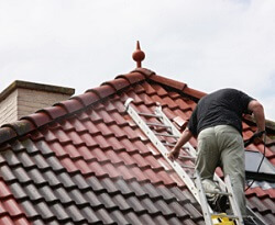 high-pressure-roof-cleaning